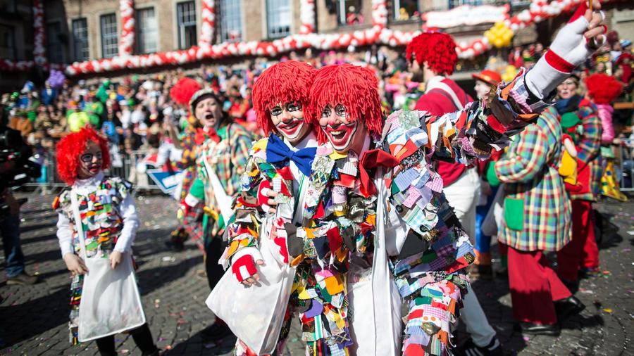 La teoría del carnaval-¿porqué empieza el 11.11 a las 11:11 am con 11s?
